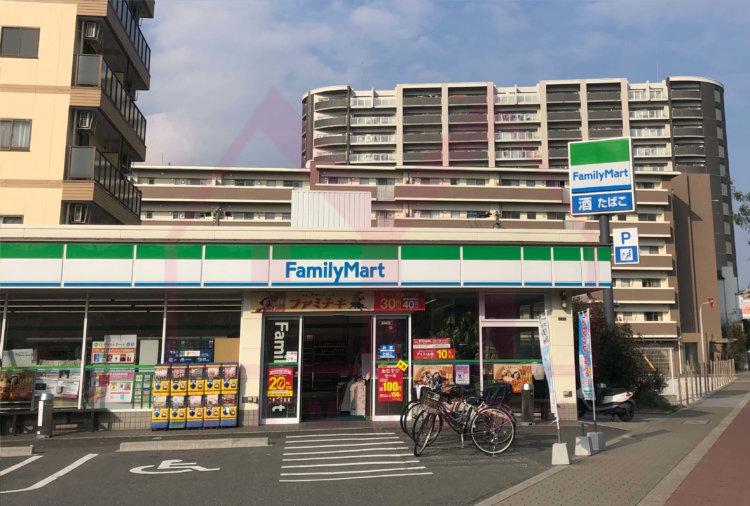 <b>《コンビニ》</b><br>ファミリーマート千舟3丁目店 350m